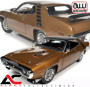 AUTOWORLD AMM1258 1:18 1971 PLYMOUTH ROAD RUNNER (GY8 GOLD LEAF METALLIC)