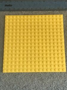 LEGO Thick YELLOW Base Plate / Large Brick 16 x 16 Square Baseplate