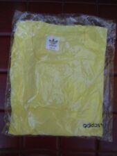 Véritable tee-shirt adidas jaune vintage size 120 / neuf sous emballage