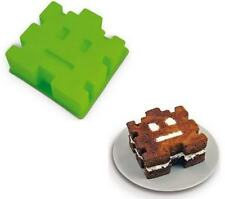 Retro Arcade Space Invader Silicon Baking Cake Mold!