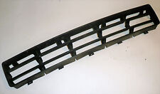 VW Golf MK4 2.0 GTi 2000  - Front Bumper Middle Grill