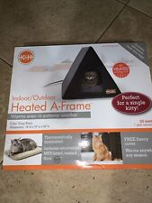 """K&H Pet Products Heated A-frame Gray/Black 18"""" x 14"""" 20W Indoor/Outdoor Shelter"""