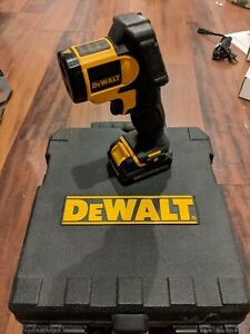 DEWALT 12V Infrared Thermometer Kit + Case + Battery and Charger