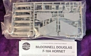 Airfix 1:72 McDonnell Douglas F-18A Hornet Model Kit 04032 NO BOX, SEALED IN BAG