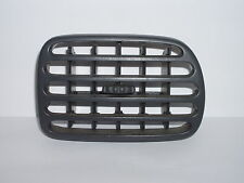 Renault Megane Scenic centre right air vent. Dashboard directional ventilation.