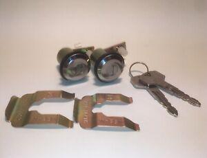 Door Locks with Keys for Datsun 240Z/260Z/280Z/620 pickup