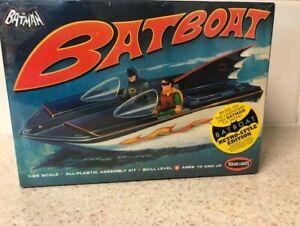 Polar Lights Retro Style Edition Batman Batboat 1:25 Scale Model Kit-New in Box