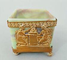 Vase, marmoriertes Glas, mit vergoldeter Bronzemontierung im Empirestil