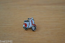 VESPA SCOOTER - RED - WHITE -   ENAMEL PIN BADGE . BRAND NEW