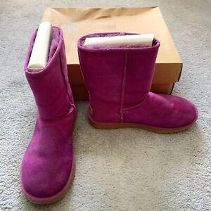 UGG Australia 5825 Classic Short Pink Pull-On Sheepskin Boots Women Size 6