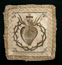 Breve ex voto in lana e stoffa ricamata e stampata Sacro Cuore