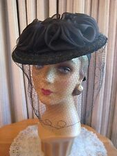 SAUCY 40'S BLACK STRAW TILT HAT W/LARGE CRIN RUFFLE & VEIL