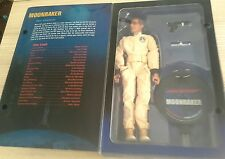 "2005 non utilisé en boîte Sideshow James Bond Sir Roger Moore 12"" figure Moonraker"
