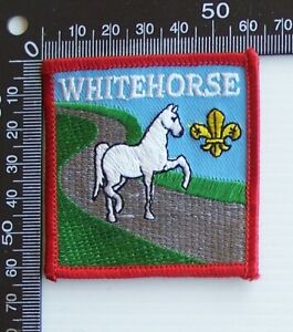 VINTAGE BOY SCOUTS AUSTRALIA WHITEHORSE DISTRICT EMBROIDERED CLOTH SEW-ON BADGE