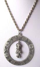pendentif chaîne médaille pampille enfant bijou vintage couleur argent 572