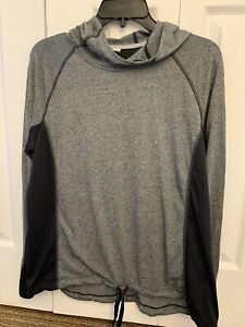 Under Armour Large Long Sleeve Top