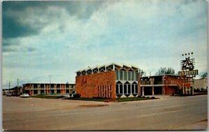 Gillette, Wyoming Postcard SANDS MOTOR Lodge Highway 14 - 16 Roadside c1960s