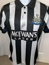 More details for signed kevin keegan newcastle autograph 1993-95 home shirt the entertainers