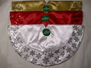 """20"""" Miniature Red , Gold or White Tree Skirts With Sequined Snowflake Border"""