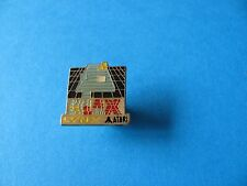 Vintage ATARI LYNX Video Game Pin badge, KLAX