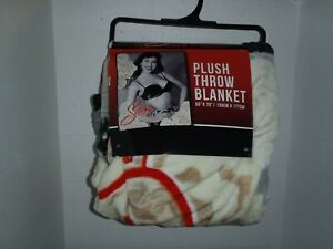 Selena Quintanilla  Plush Throw Blanket 55 X 70 New With Tags Super Soft  Large