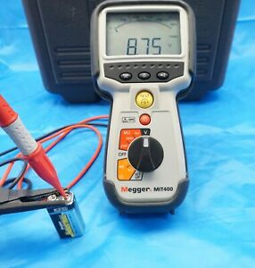 Megger Insulation Tester MIT400 w/ Case and Leads