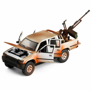 1:32 Toyota Hilux Pickup Truck w/ Weapon Model Car Diecast Toy Bronze Gift Sound