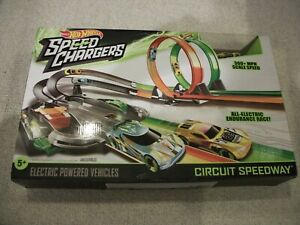 New in Box 2016 Hot Wheels Speed Chargers Circuit Speedway