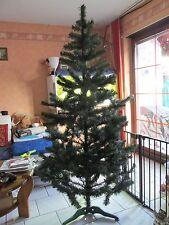 Künstlicher Weihnachtsbaum grün 210 cm; sehr dicht mit Ständer.NP 89 Euro.