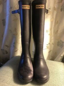 Hunter Wellies Size 7 Original Adjustable Aubergine