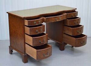 A 20ct CENTURY WALNUT SERPENTINE PEDESTAL FLAMED DESK / CHAIR AVAILABLE