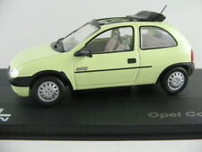 Ixo #21 Opel Corsa B swing (1993-2000) en verde claro 1:43 nuevo/PC-vitrina