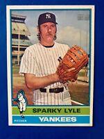 1976 Topps Baseball Sparky Lyle Card # 545 New York Yankees