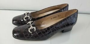 Lord and Taylor Brown Patent Leather Crocodile Print Loafers Size 7.5 B
