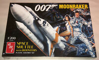 AMT James Bond 007 Moonraker Shuttle with Boosters 1:200 scale model kit 1208