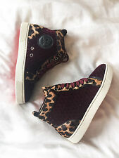 Lovely Christian Louboutin Louis Orlato Leopard Red Velvet Sneaker Flat 35 NEW