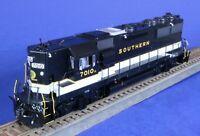 Athearn Genesis Ho Southern RR 7010 GP50 Phase 1 Diesel Engine / DCC + Tsunami