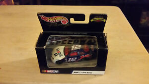 HOT WHEELS RACING 1999 TRACK EDITION #12 JEREMY MAYFIELD MOBILE 1 FORD TAURUS