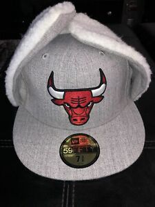 NBA New Era Fitted Ear Flap Grey/White Size7 3/8 Chicago Bulls Basketball Winter