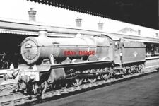 PHOTO  GWR 4998 EYTON HALL AT  READING  STATION PILOT 1964