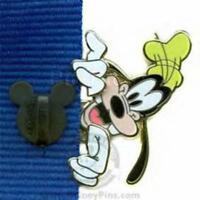 Disney Pin 60331 Lanyard Peeker Series Goofy