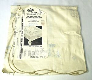 """Vintage Bucilla Ombre Daisy Spray Stamped Embroidery Linen Tablecloth 43"""" Square"""