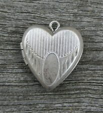 VINTAGE STERLING SILVER PUFFY HEART LOCKET - Repousse vertical Lines & Oval Box