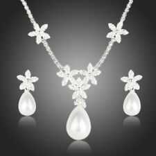 Snow White Pearl With Petals Earrings and Pendant Necklace Set for Women Mjj0134