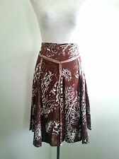 Smart Casual! D.P. Jeans size 42 brown & white skirt in excellent condition
