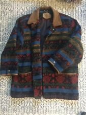 Stunning, vintage Woolrich jacket. Suede trim, very warm. Great quality! Size L