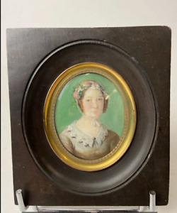 Miniature Portrait de Femme vers 1840 peinture gouache cadre