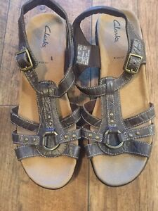 Ladies Clarks Sandals Size 7