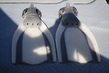 Vintage White W Black Strips MARES Brand Plana Avanti Scuba Diving Flippers (L)