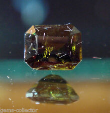 * rare épidote chromifère 0.27 ct Sri lanka taille émeraude 4 x 3.2 mm !  *